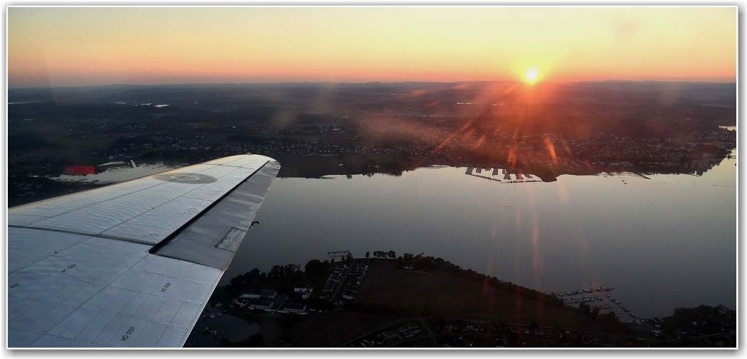 SOLOPPGANG OG NEDGANG: I går kunne medlemmene på siste tur både oppeve solnedgang på bakken, Soloppgang under utklatring og solnedgang på final approach. FOTO: Truls Kalland