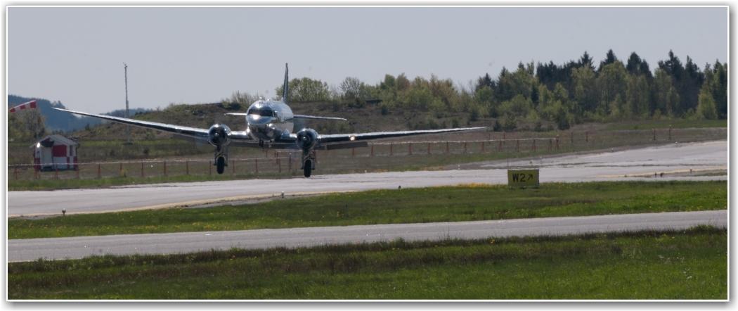 VINDFULLT: Her må våre piloter jobbe hardt for en bra landing, FOTO: Martin Nilsen