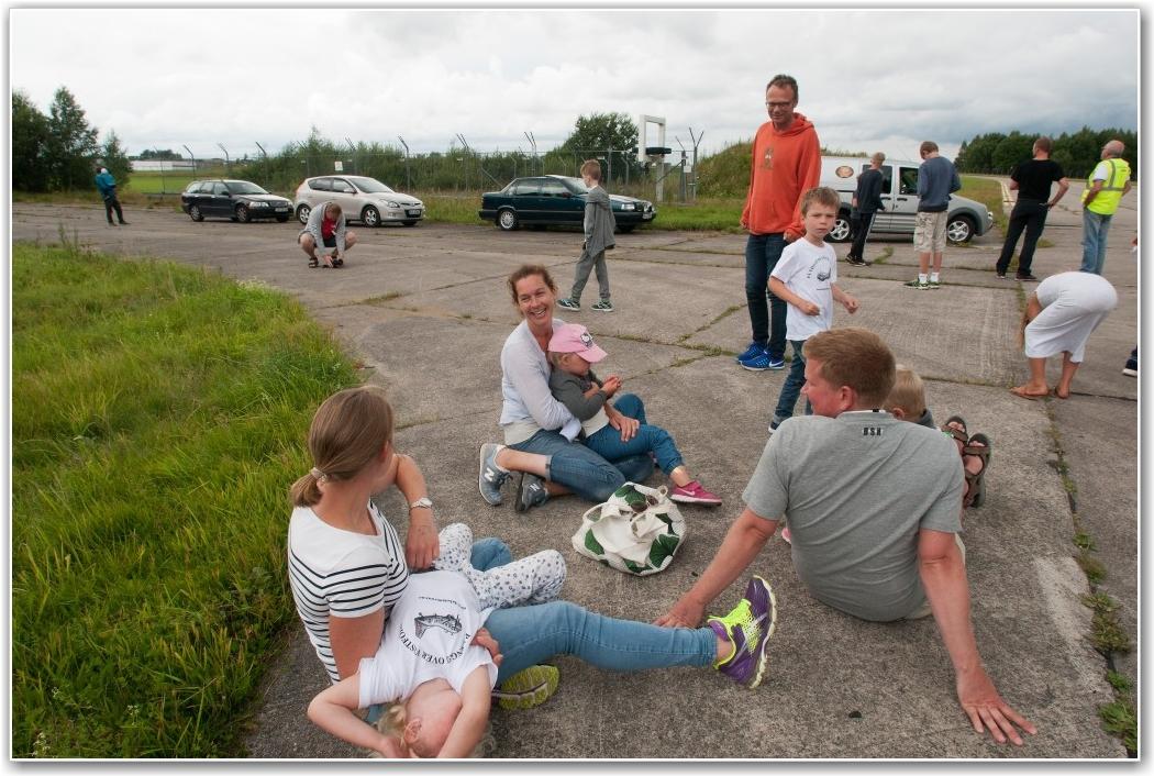 VENTER PÅ TUR: Små og store lettere henslengt i påvente av flytur. FOTO: Martin Nilsen