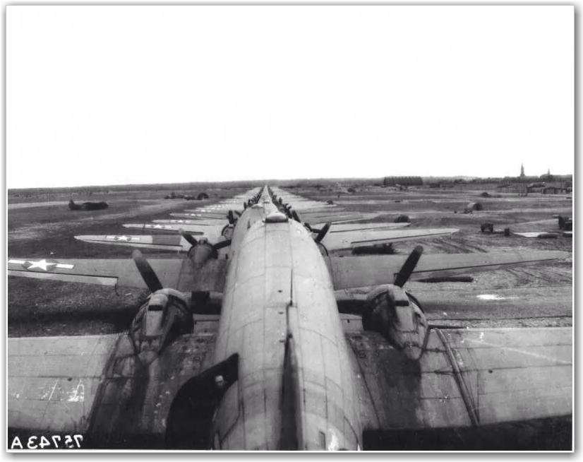 FOTO:USAAF